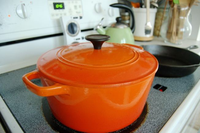 Once pot comes to boil, reduce to simmer and cover. Then get comfy for the next 6 hours...